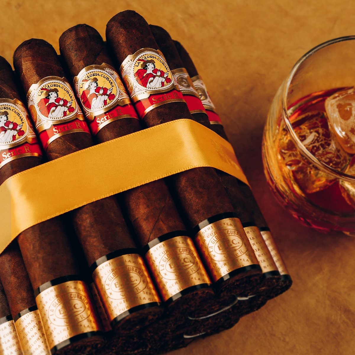 La Gloria Cubana Serie R No. 7 Natural  - Box of 24 image