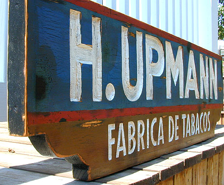 vintage h. upmann factory sign image