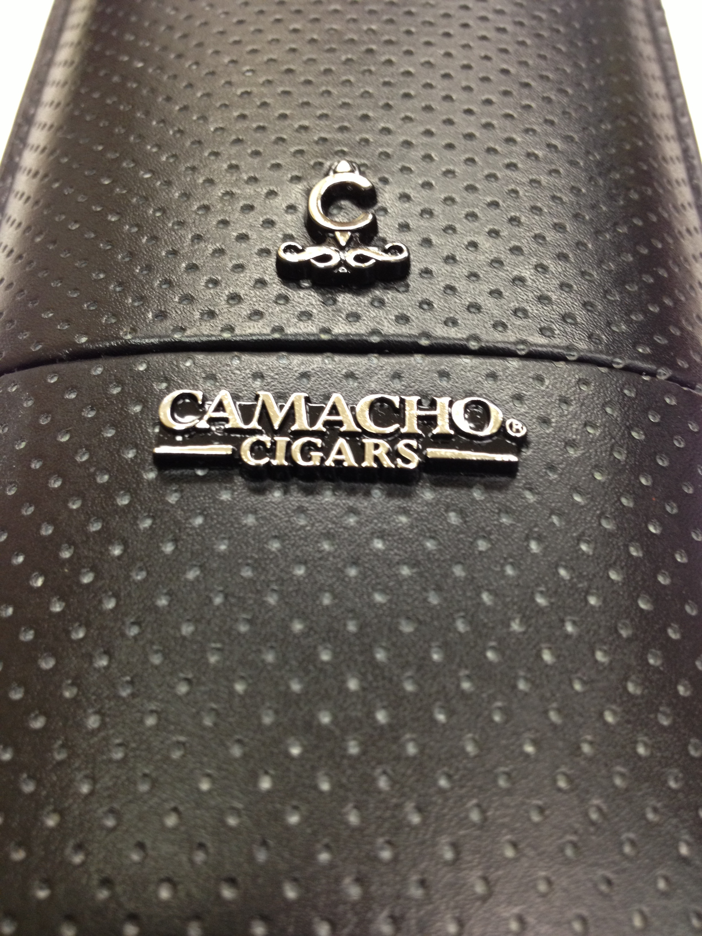 camacho cigars cases image