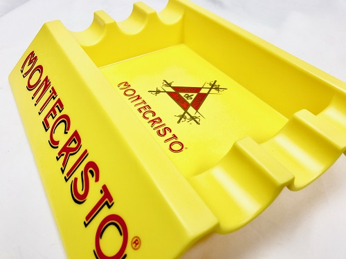 montecristo cigar ashtray cu image