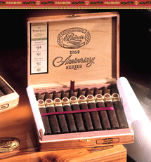 Padron Aniversario 1964 Corona, Natural - Box of 25 image