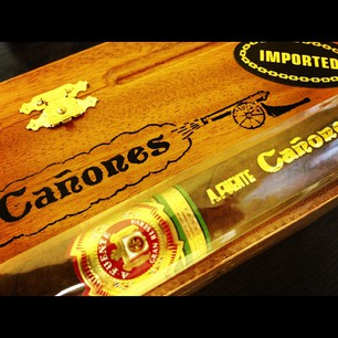 arturo fuente canones close up image