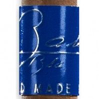 bahia blu u700 chuchill cigar band close up image