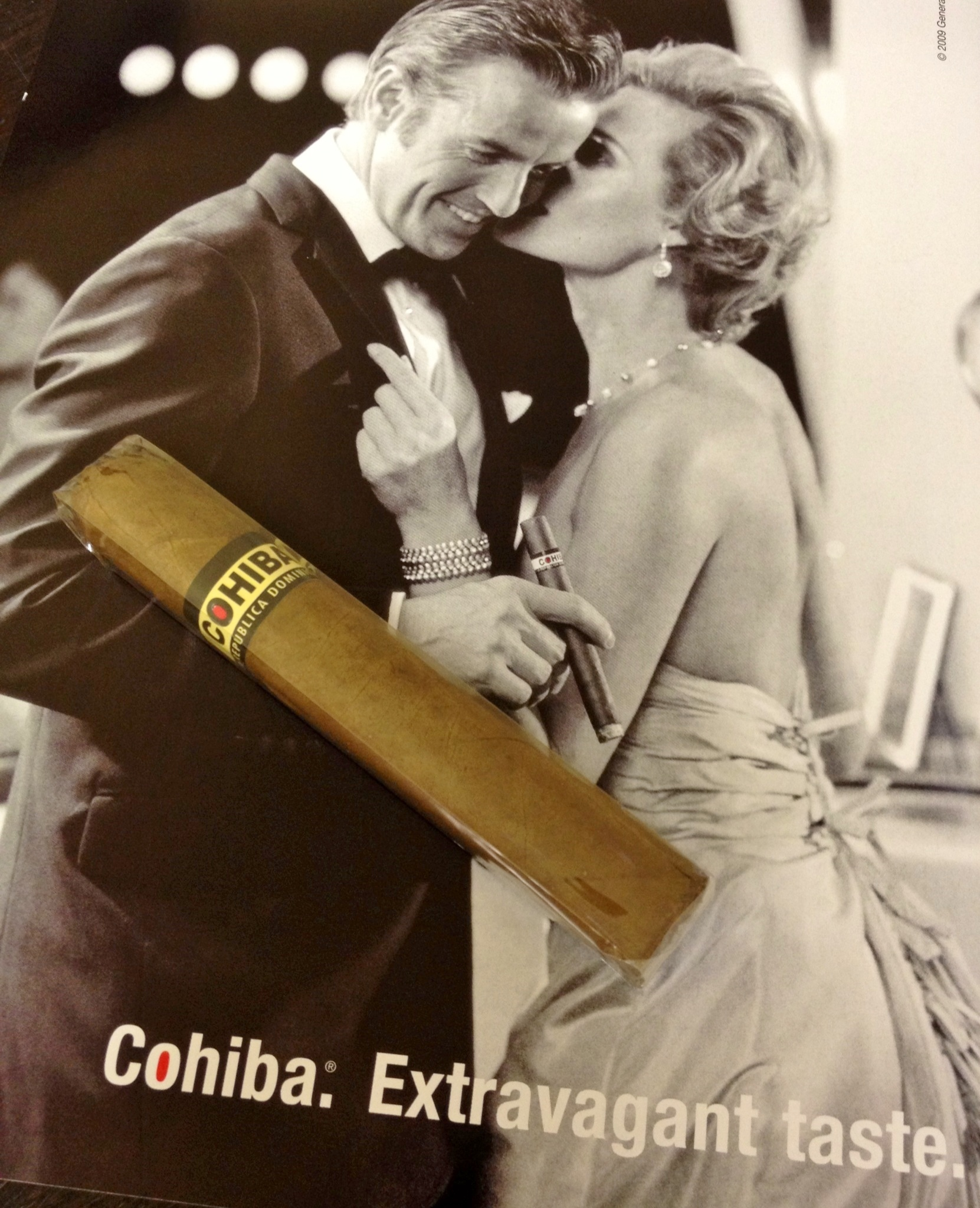 Cohiba Red Dot Corona - Box of 25 cigars image