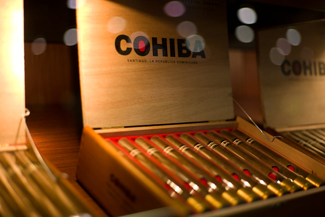 Cohiba Red Dot Churchill  - Box of 25 image