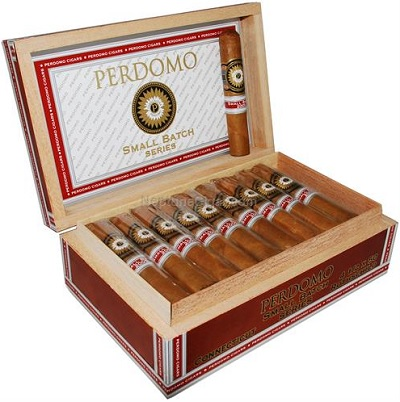 perdomo small batch connecticut toro cigars box open image