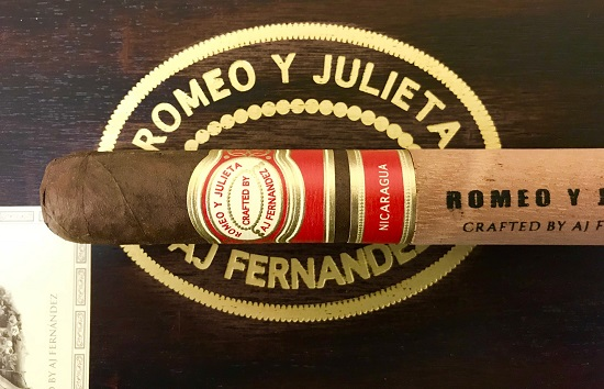 romeo y julieta crafted by aj fernandez robusto stick box image