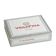 vegafina robustos cigars box closed image