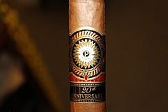 Perdomo 20th Anniversary Robusto, Sun-Grown - Box of 24
